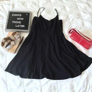 Gap little black dress 100% Rayon